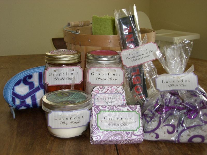 Reader Jennifer makes Mothers Day Spa Baskets using freebies, coupons, and DIY