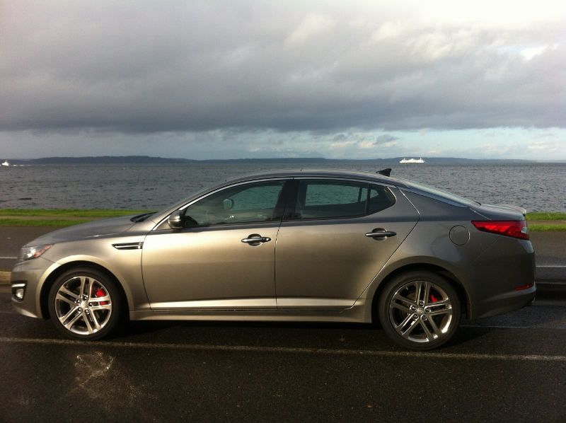 2013 kia optima sx limited review the car i nearly shed a tear over. Black Bedroom Furniture Sets. Home Design Ideas
