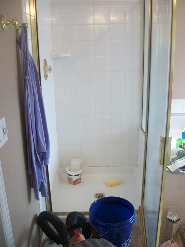 How To ReGrout And ReCaulk Your Shower You Can Do It - Regrouting bathroom shower tile