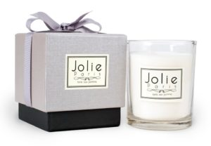 Jolie Sustainable Luxury Candle, tarte aux pomme (apple pie) Packaging may vary