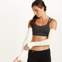 Oiselle Factory Store: Up to 77% Off + Free Shipping on $50+