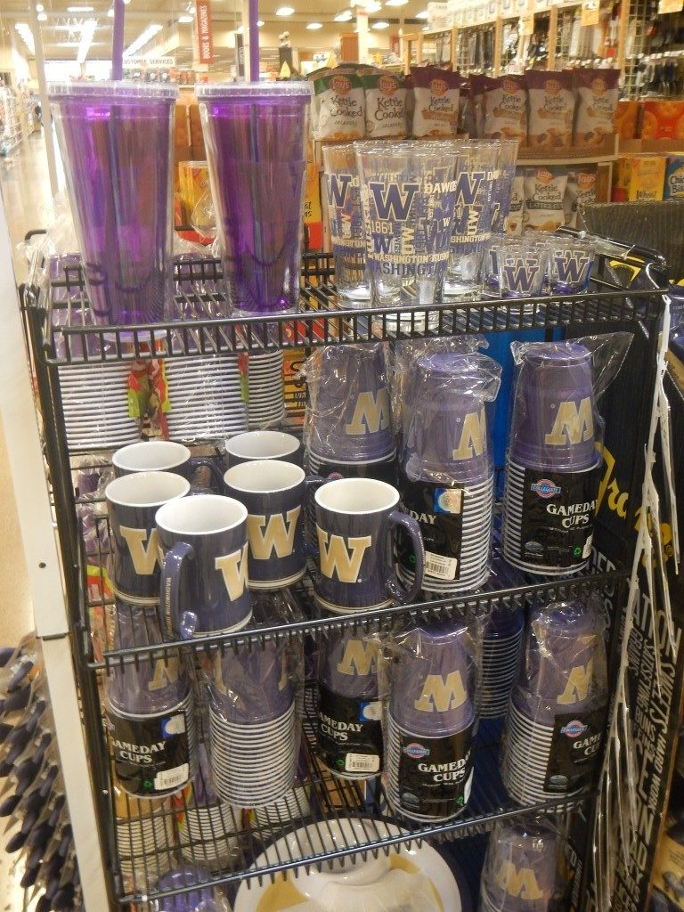 Huskies Themed Cups and Mugs at Fred Meyer