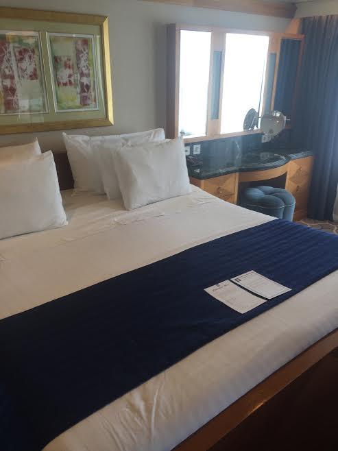 royal-caribbean-bed