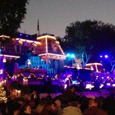 6 Disneyland Holiday Traditions To Delight The Kids