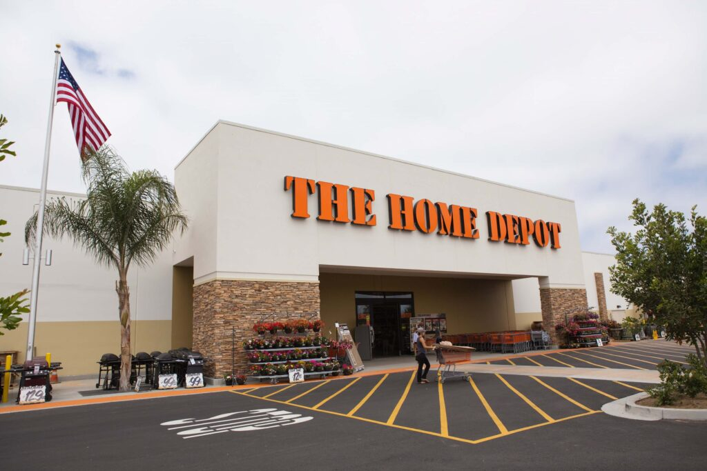 Home Depot depan toko - kupon Home Depot